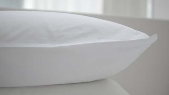 hechizo con almohada